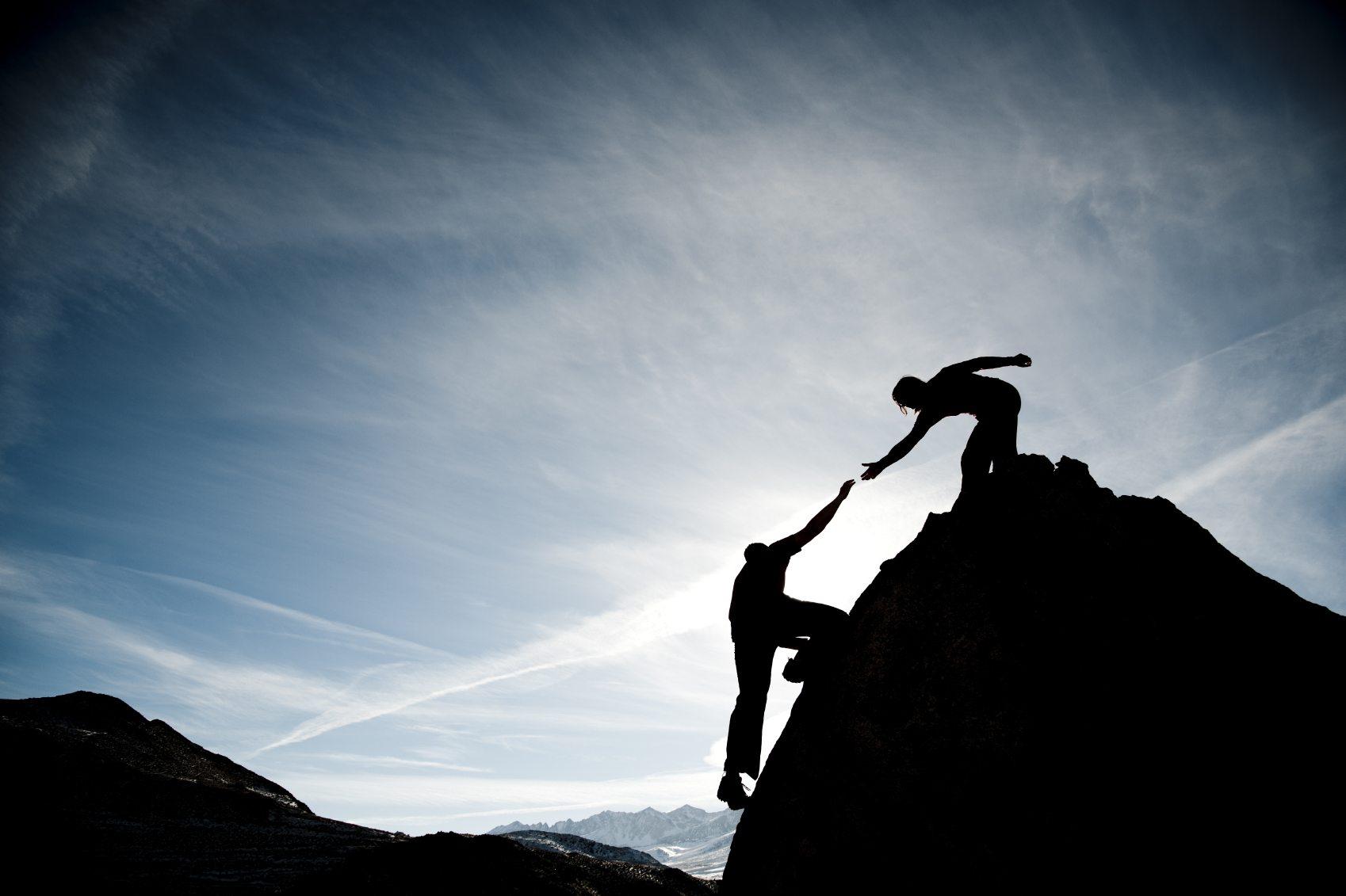 Differenze fra Capo e Leader: Padroneggiarle ti Permette di Essere un Leader Migliore