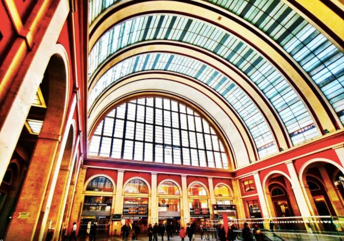 Stazione porta nuova torino luoghi da visitare