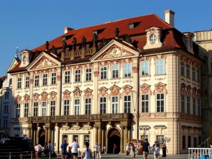 Palazzo Kinsky Praga cosa vedere