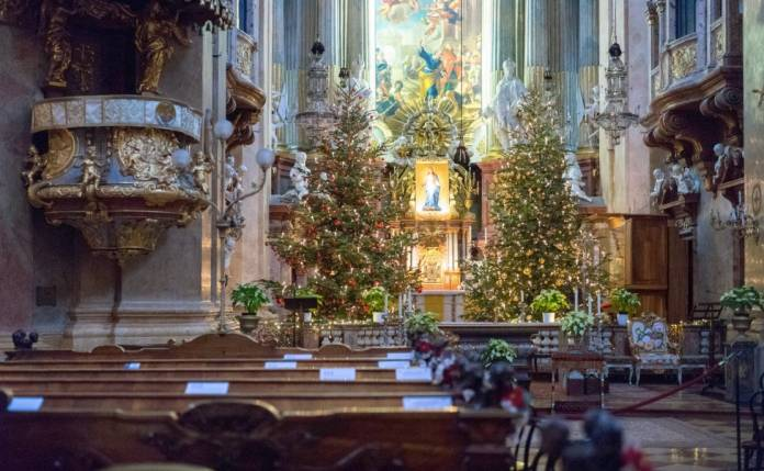 Peterskirche Chiesa San Pietro Vienna Luoghi da visitare