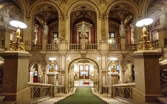Staatsoper Teatro Vienna da visitare