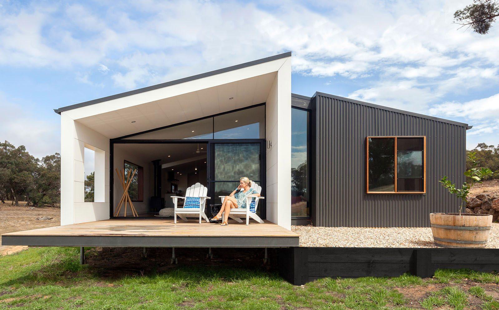 Modelli Di Case Da Costruire case prefabbricate in legno o in cemento: ecco i prezzi e i