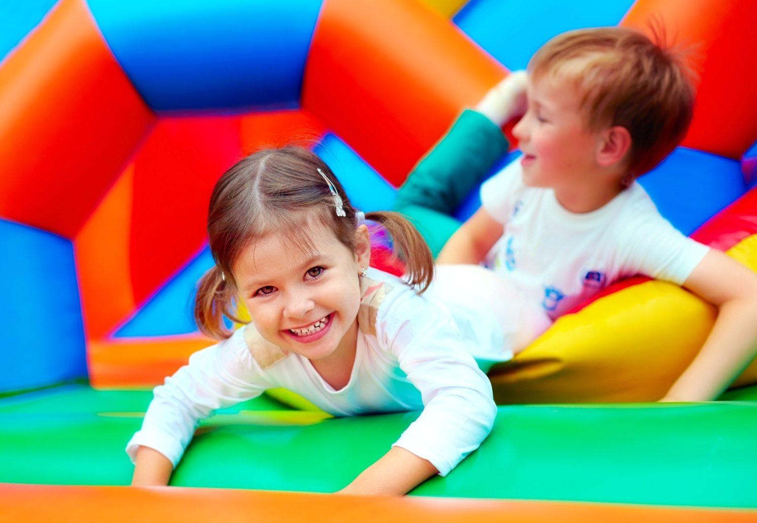 Dedicato a chi Ama Lavorare con i Bambini: Tutto Quello che ti Servirà Sapere per Aprire una Ludoteca