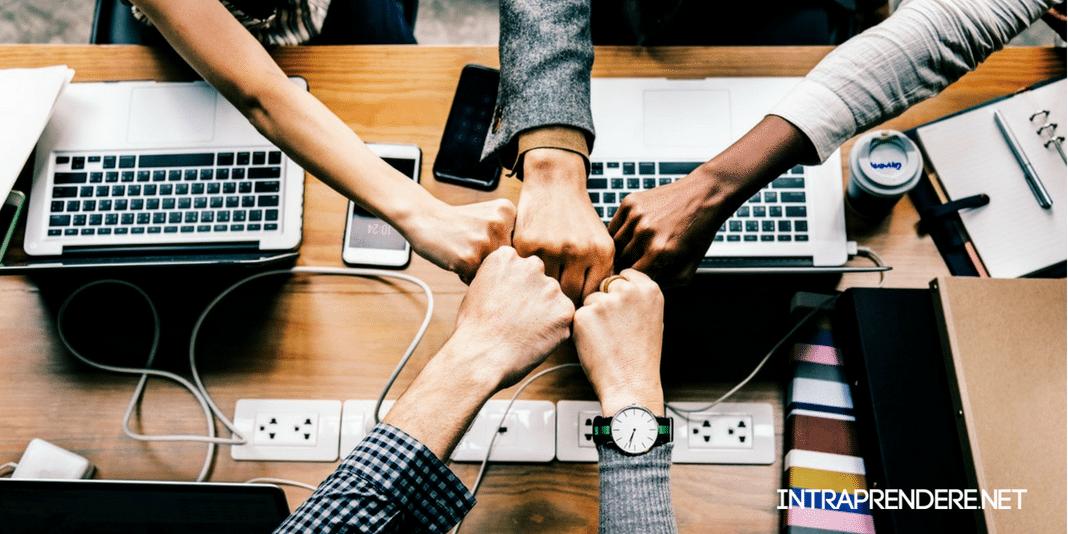 Motiva il tuo Team a Dare il Massimo Grazie a Queste 8 Frasi sul Lavoro di Squadra