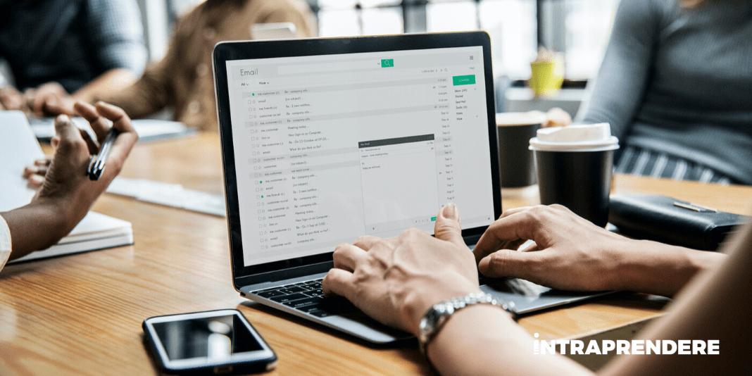 Come Scrivere Una Mail Di Presentazione Aziendale Semplice ed Efficace